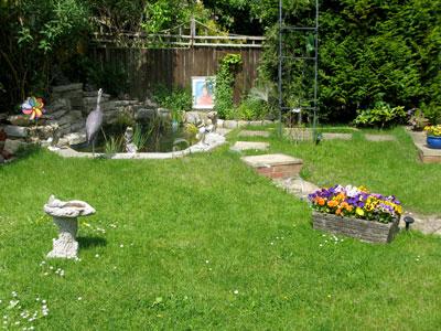 camelot-retreat-garden